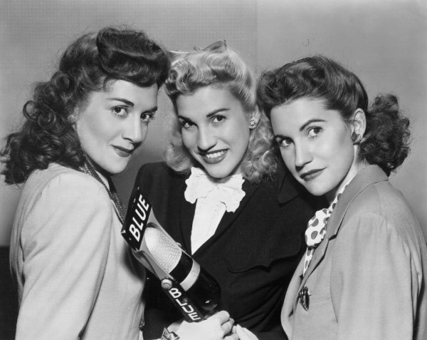 Singers com vocal harmony a cappella group andrews sisters