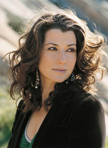 Amy grant at choral arrangements for House music singers
