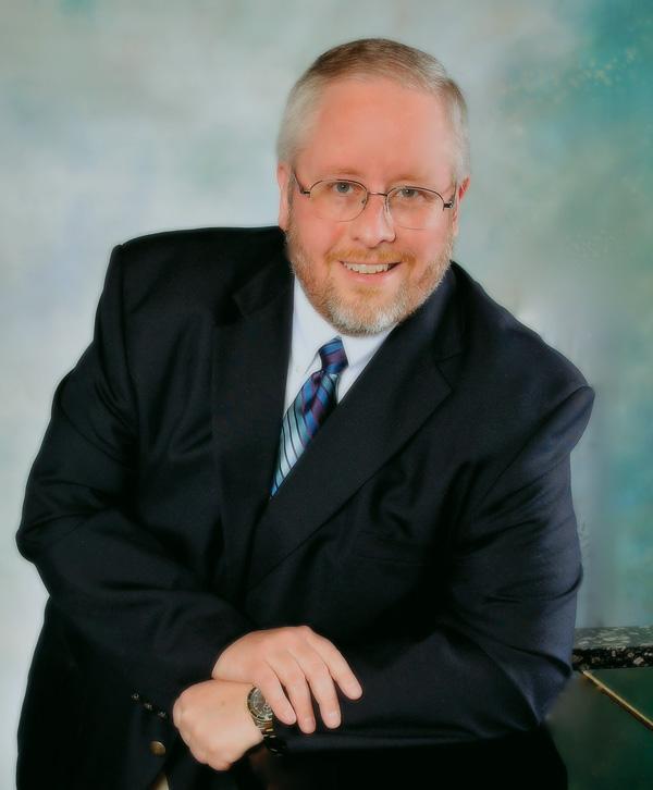 Larry Shackley at Singers.com - Choral arrangements